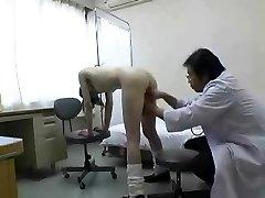Médicos asiáticos