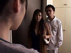 Esposa japonesa violada delante del marido