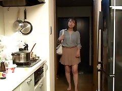 Yui Hatano as Chief Wife Night Crawling