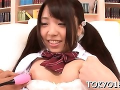 Teen in heats moans with stud fucking her japanese pussy
