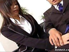 Sexy secretary Satomi Maeno sucks an ugly bone
