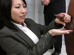 Apbrīnojamo Japānas prostitūta Yuuna Hoshisaki, Karstākie JAV uncensored Handjobs klipu