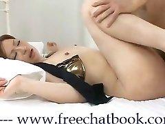Asijská Královna KiKi ve Free Chatu Kniha