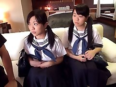 Školáčka Trojka - JapansTiniest