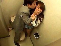 Schoolgirl jebanje u kupaonici