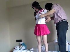 čínska školáčka zviazaná