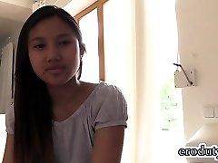 Thai teenager dildo and orgasm