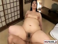 Pacífica anal lindo Japonês mom