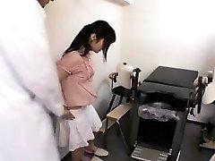 Krásne Orientálne študent dostane jej tesnej chlpaté broskyňa opatrný