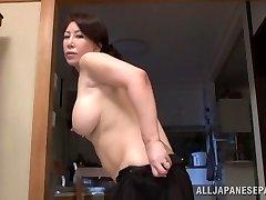 Wako Anto maduro gostoso Asian babe na posição 69