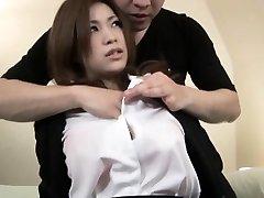 Sexy Ázijské dievča dostane chuť tvrdý penis v jej tesnej sme