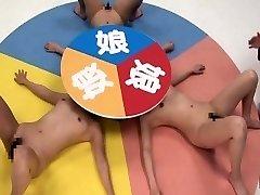 Legendado CFNF louco Japonês lésbicas jogo de roleta
