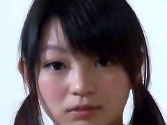 Mega spaniel Japoński łapa i 140cm córka kompania, który znalazł go w slumsach świecie bezdomny