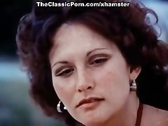 Linda Lovelace, Harry Reems, Dolly Sharp in classic orgy