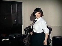 WHOLE LOTTA ROSIE - vintage veľké prsia školáčka strip tanec