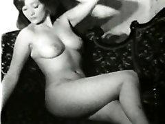 Erotika Akty 581 50. a 60. rokoch - Scene 2