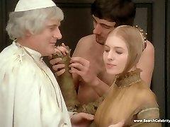 Florencia Bellamy nahé - Nemorálne Rozprávok (1974) - HD