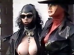 Kinky latex mistresses examine pussy of one plum chick outdoor