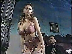 Sexy kočka v klasickém porno filmu 1