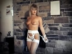 DA YA THINK I'M Wondrous ? - vintage striptease dance performance