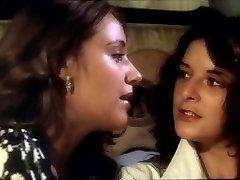 La Caliente Nina Julieta Lesbian Scene
