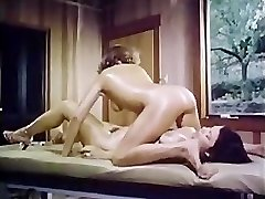 Oily retro girl-girl rubdown