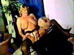Peepshow Smyčky 105 70. a 80. let - Scéna 3