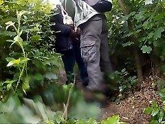 Podryw w lesie Two
