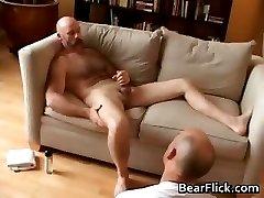 Gay bear Brett Logan jerking his wanger part5