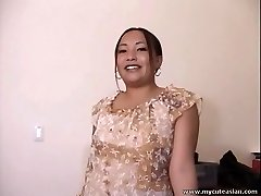 Chubby Japanese fledgling housewife gives a hot blowjob
