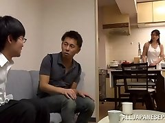 Эрико зрелые Миура и дикой азиатской медсестрой в позиции 69