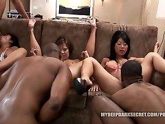 MDDS Tia Ling en Becky Spuit BBC Interracial Orgie