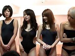 Japanse badpak babes in orgie