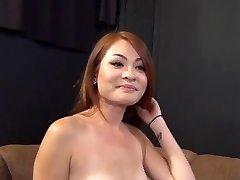 Crvenokosa Asian djevojku Ima Velike Fuct 420 Slušanje