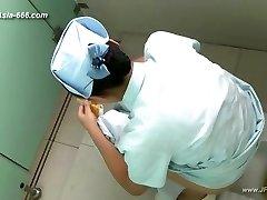 asian girls go to toilet.45
