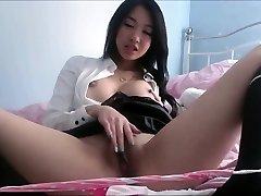 Aziatische met grote tieten bloot privé