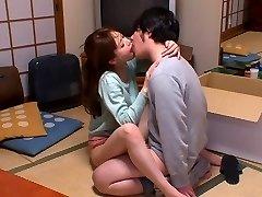 Heetste Japanse hoer Akiho Yoshizawa in Geile keuken, paar JAV scene