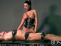 Geile pornstar in de Heetste BDSM, Handjobs xxx scene
