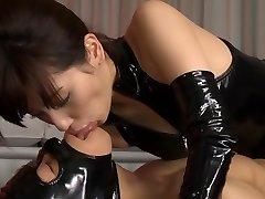 Geile Japanse slet Miyuki Yokoyama in de Beste fetish, latex JAV scene