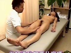 Πρόστυχη Ιαπωνικά έφηβος πόρνη βρίσκεται σε Ιαπωνικό μασάζ φύλων