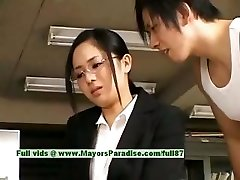 סורה Aoi מפשע שובב אסיה המזכיר נהנה שמזיינים בהפסקה
