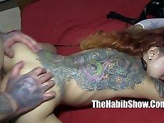 asiatische sensation kimbelry chi bekommt knallte Rica Kapuze tattoo c