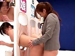 Εκπληκτικό Ιαπωνικό πόρνη Σάκη Izumi, Hitomi Honjou, Μιζούκι, Ερασιτέχνες σε Καταπληκτικά strapon, λεσβία JAV κλιπ