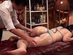 Schlankheits-Massage für eine vollbusige japanische Frau 2