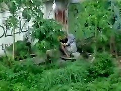 אינדונזית - ngintip jilbab ngentot belakang bangunan