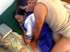 Aziatische Schoolmeisje Kreunt van Genot xLx