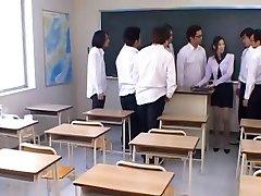 Japānas skolotāju Rei Šīna mīl, lai saņemt iekļauti cum