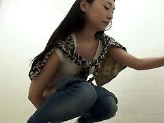Fetish oriental pissing