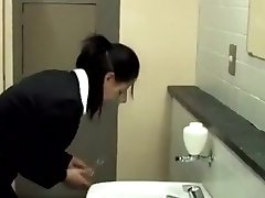 他妈的,在厕所