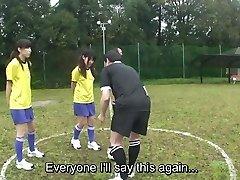 Ar subtitriem ENF CMNF Japāņu nūdistu futbola soda HD spēle